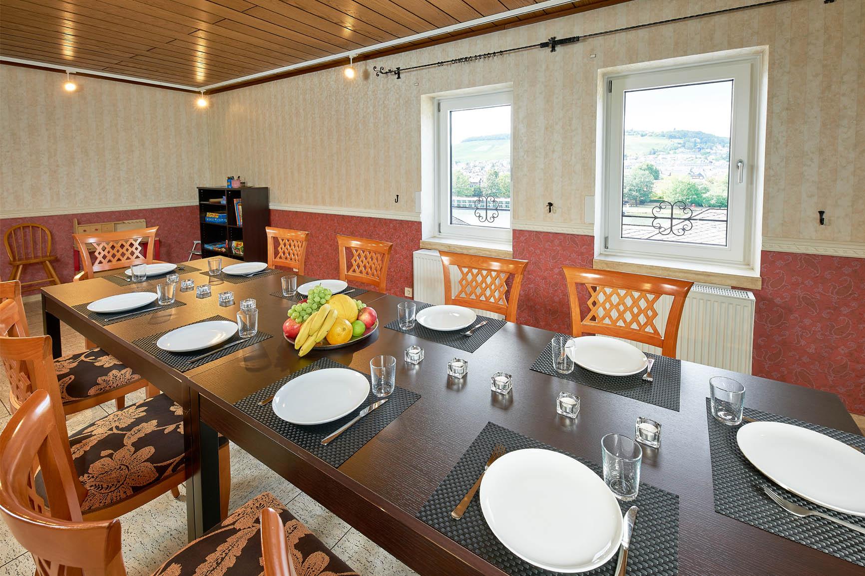 Ferienhaus Mosel-Herberge Essbereich für die ganze Familie