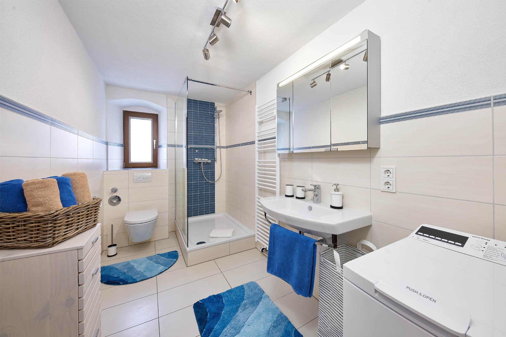 4-Sterne-Ferienwohnung Villa Mosella Mansarde Badezimmer