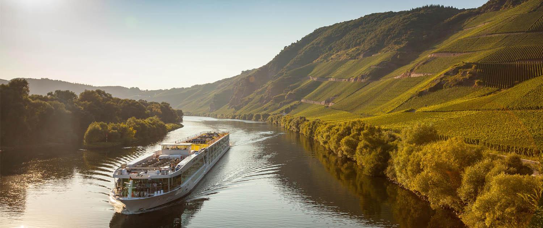 Schifffahrt entlang der Brauneberger Juffer