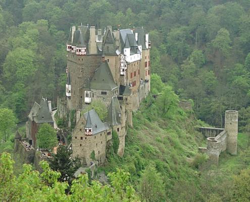 Mittelalterliche Ritter-Burg Eltz bei Cochem